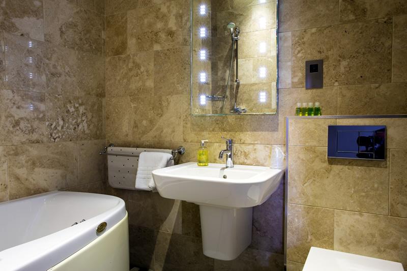Gold Room En Suite